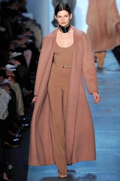 美国著名服装设计师迈克·科尔斯