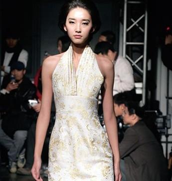 中国十大服装设计师-房莹