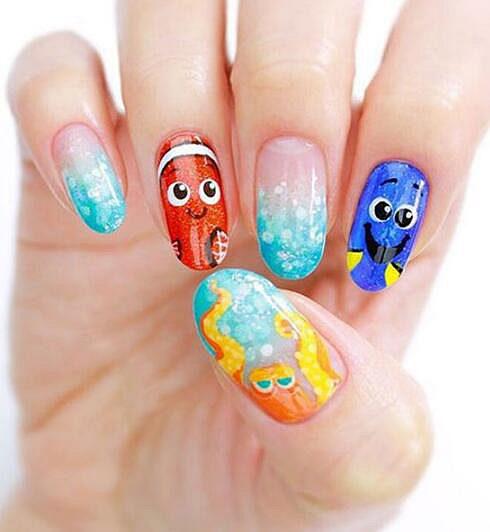 海洋主题的海底总动员美甲也是一个不错的选择,萌萌的小鱼特别