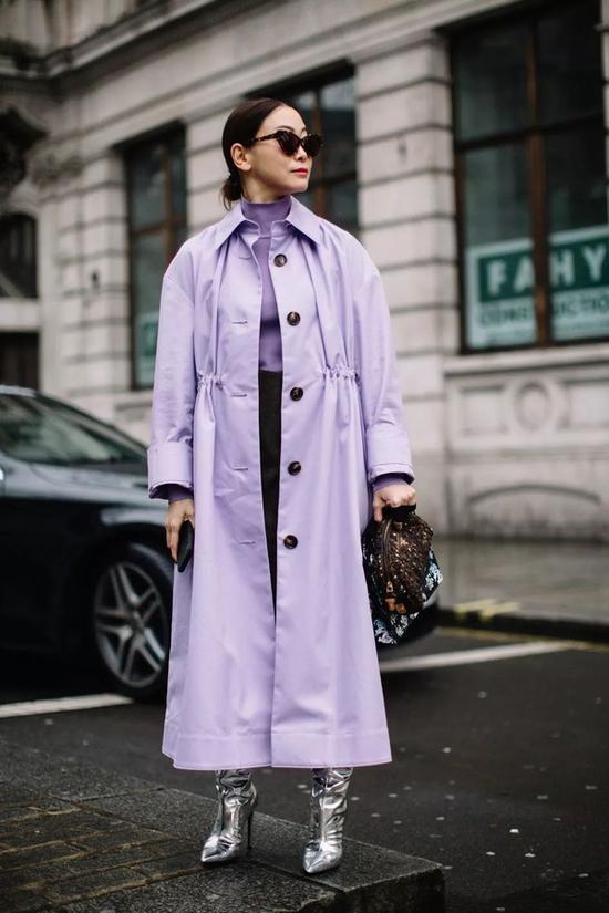 选件鲜艳的风衣 给你的时尚造型增加魅力Sat Oct 13 2018 16:15:24 GMT+0800 (中国标准时间)