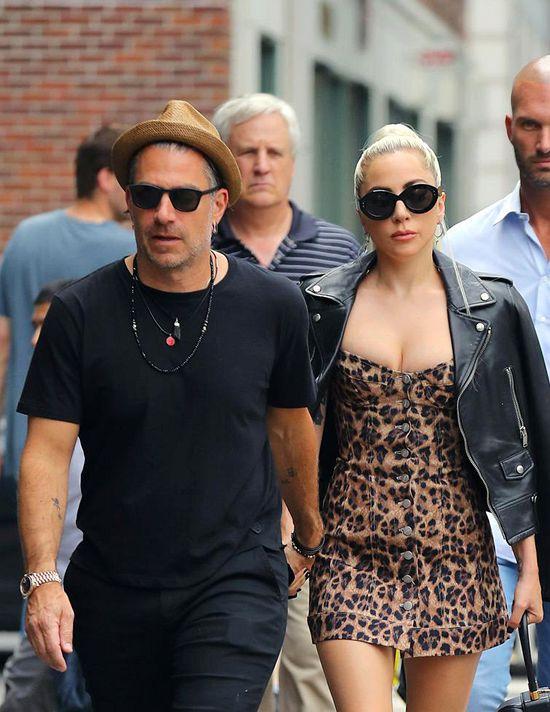 Lady Gaga宣布和男友Christian Carino订婚Wed Oct 17 2018 14:09:36 GMT+0800 (中国标准时间)