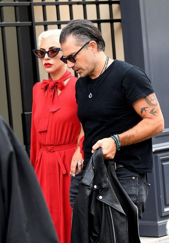 Lady Gaga宣布和男友Christian Carino订婚Wed Oct 17 2018 14:10:08 GMT+0800 (中国标准时间)