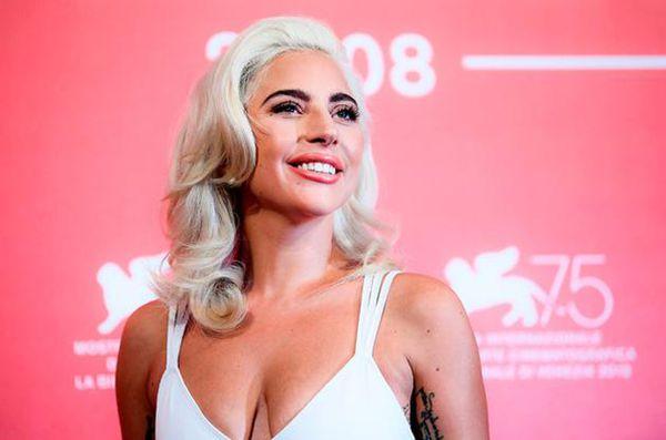 美国当红女歌手Lady Gaga登顶百大艺人榜Sat Oct 20 2018 15:52:33 GMT+0800 (中国标准时间)
