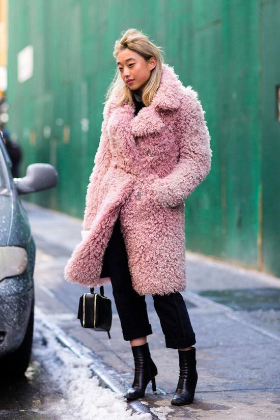 穿上时髦又暖和的毛毛外套  轻松成为街头潮人!Fri Nov 30 2018 14:56:09 GMT+0800 (中国标准时间)