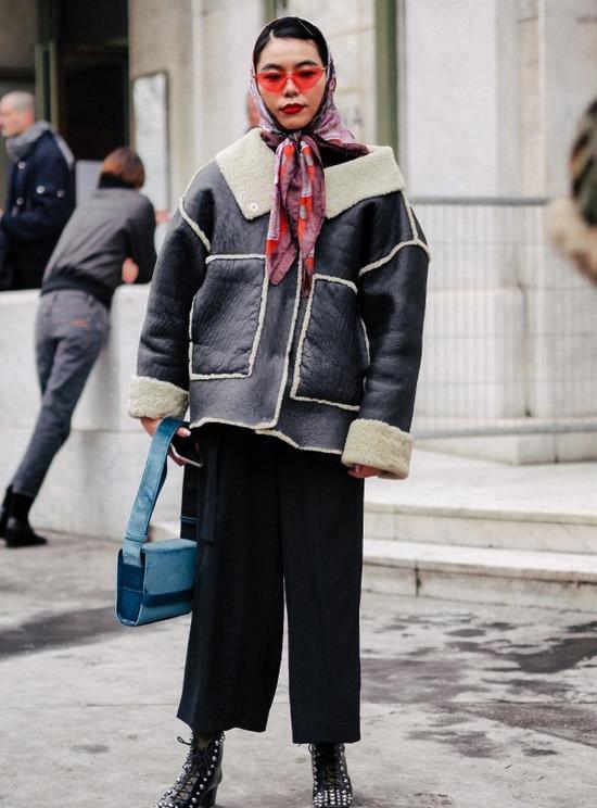 羊羔绒外套+裤装 在休闲中增添几分贵气感Mon Dec 17 2018 16:30:18 GMT+0800 (中国标准时间)