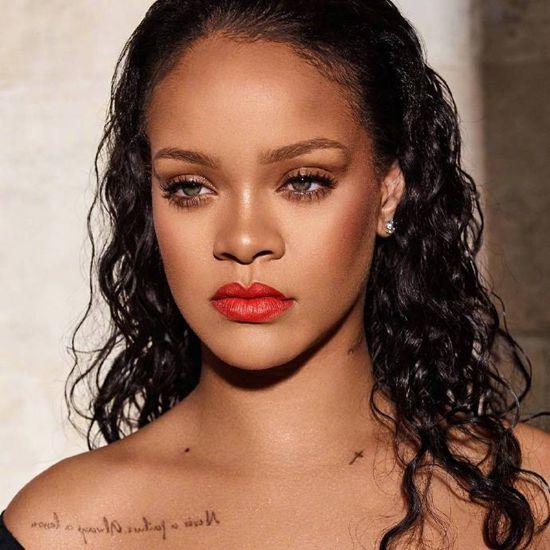 Rihanna示范个性新唇色_欧阳娜娜蕾哈娜