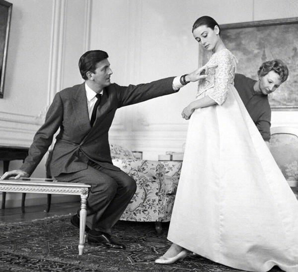 法国时装设计师于贝尔·德·纪梵希去世 终年91岁Tue Mar 13 2018 16:04:23 GMT+0800 (中国标准时间)