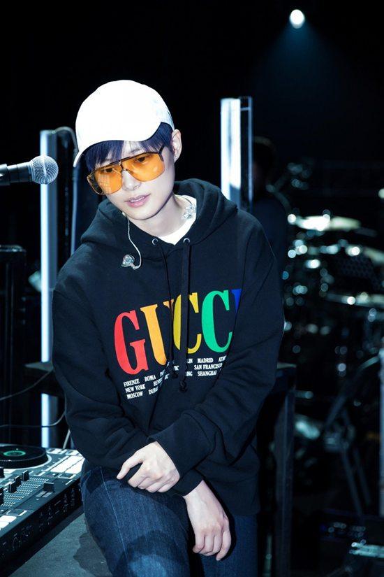 李宇春巡演 Gucci为其打造专属造型Wed May 09 2018 17:18:13 GMT+0800 (中国标准时间)