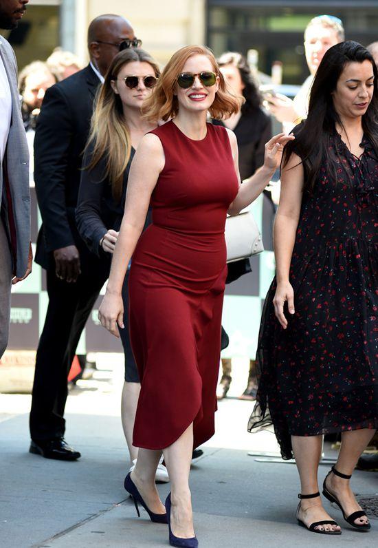 杰西卡·查斯坦穿酒红色连衣裙现身 气质优雅Fri Jun 29 2018 13:39:30 GMT+0800 (中国标准时间)