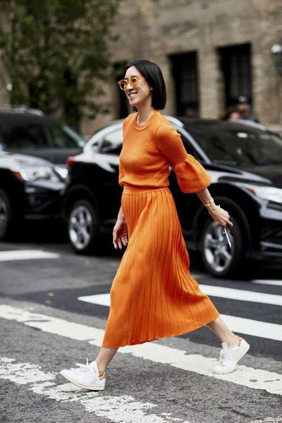 针织衫+中长裙 凸显女性魅力和优美身姿Sat Sep 22 2018 15:30:58 GMT+0800 (中国标准时间)