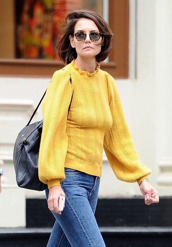 凯蒂·赫尔姆斯外出逛街 穿亮黄针织衫秀好身材Fri Sep 28 2018 15:34:05 GMT+0800 (中国标准时间)