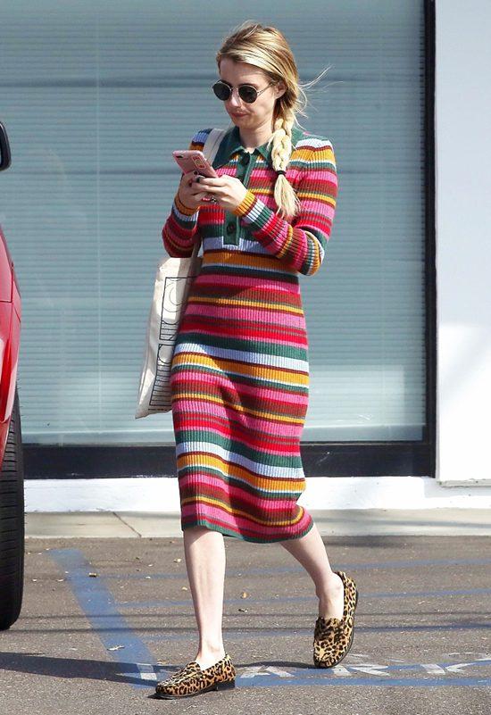 女星艾玛·罗伯茨穿彩虹色条纹紧身裙大秀纤细身材Fri Sep 28 2018 15:59:05 GMT+0800 (中国标准时间)