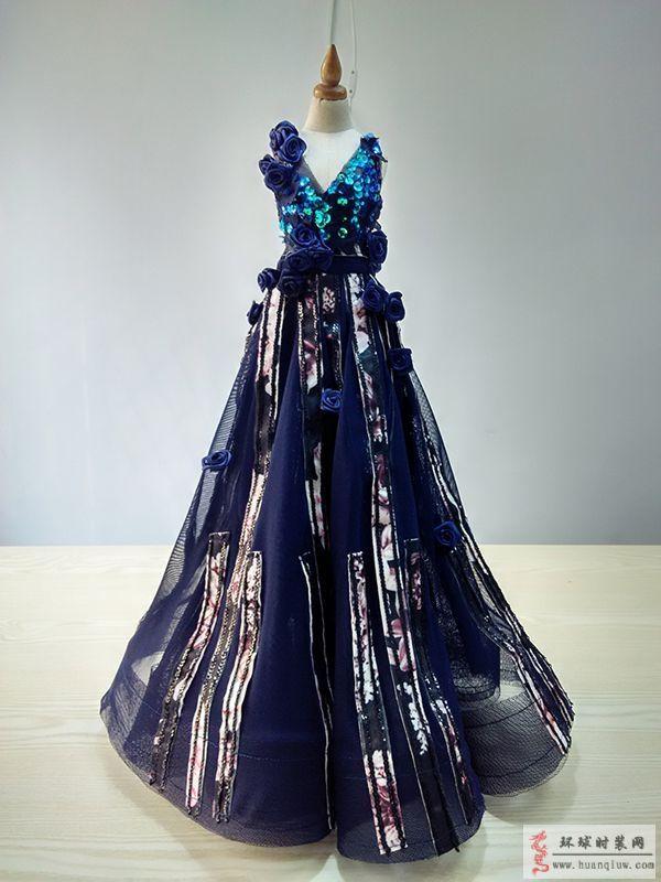 原创服装设计作品-立体花卉装饰亮片薄纱礼服-ZW