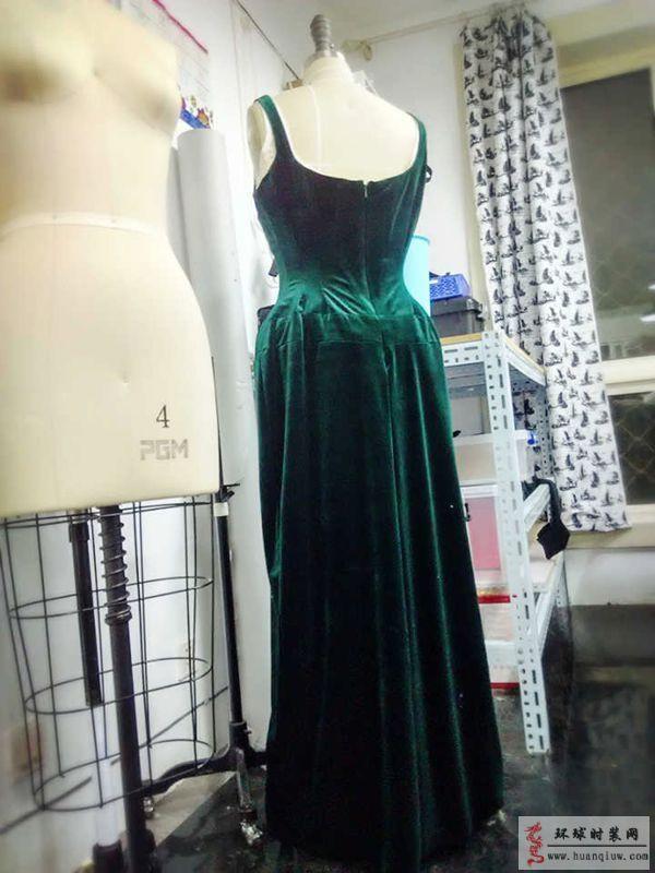 ZW立体剪裁礼服设计作品-ZW