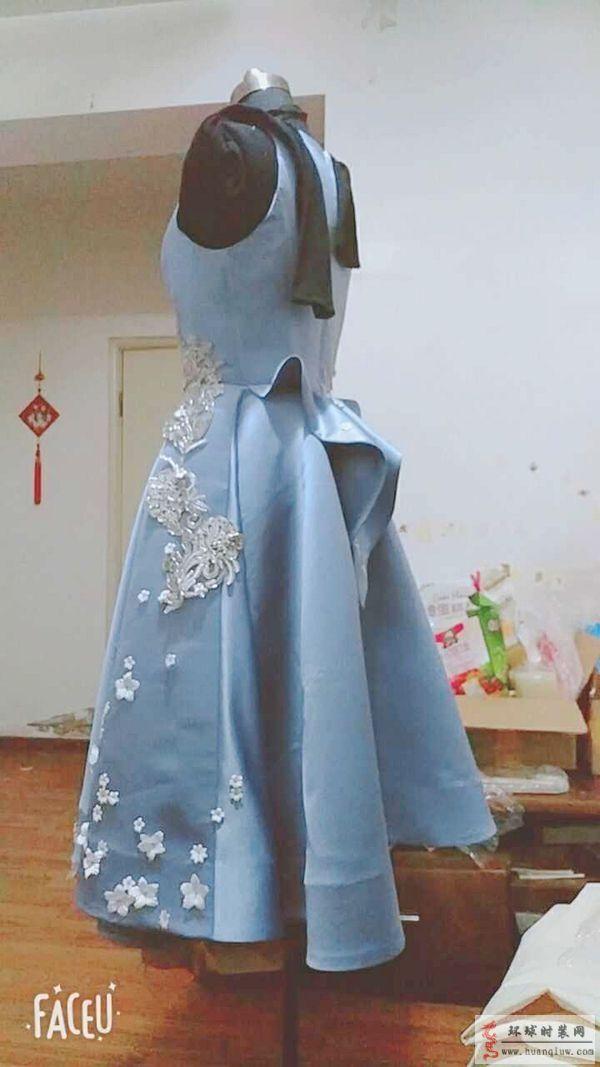 ZW结课秀作品-蓝色立体花卉礼服裙-ZW