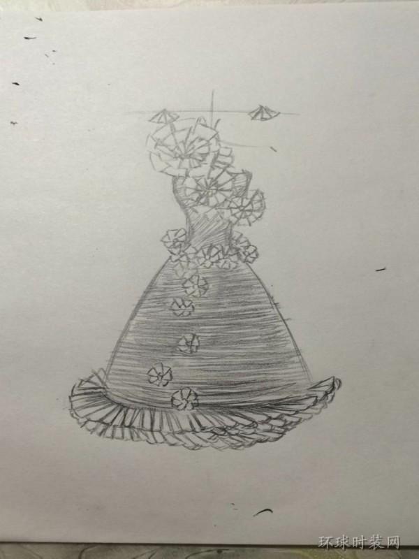 j的原创手绘礼服设计手稿