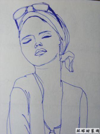 戴眼镜的女孩-钢笔人物画