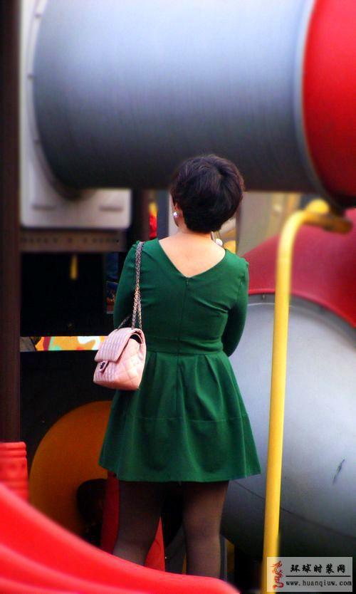 时装摄影街拍-绿色连衣裙-薇薇