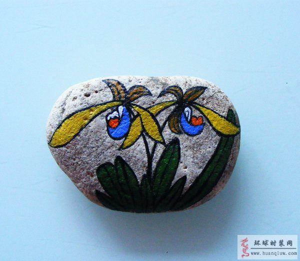 原创丙烯颜料绘画作品:石头画-石头上的花卉
