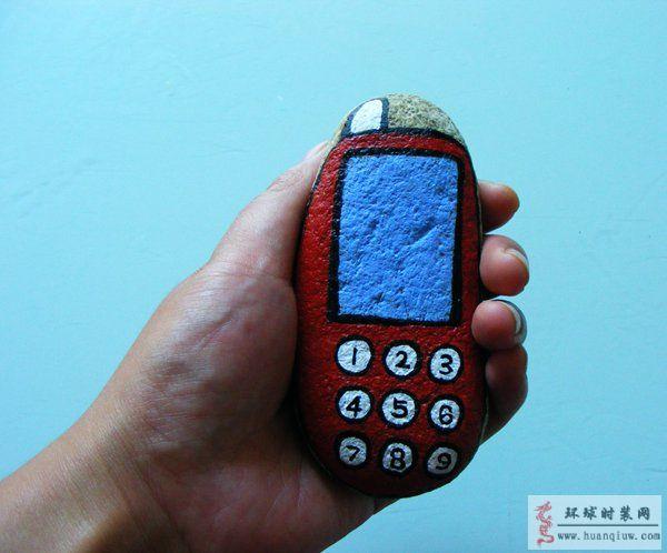 原创丙烯绘画作品:石头画-红色手机